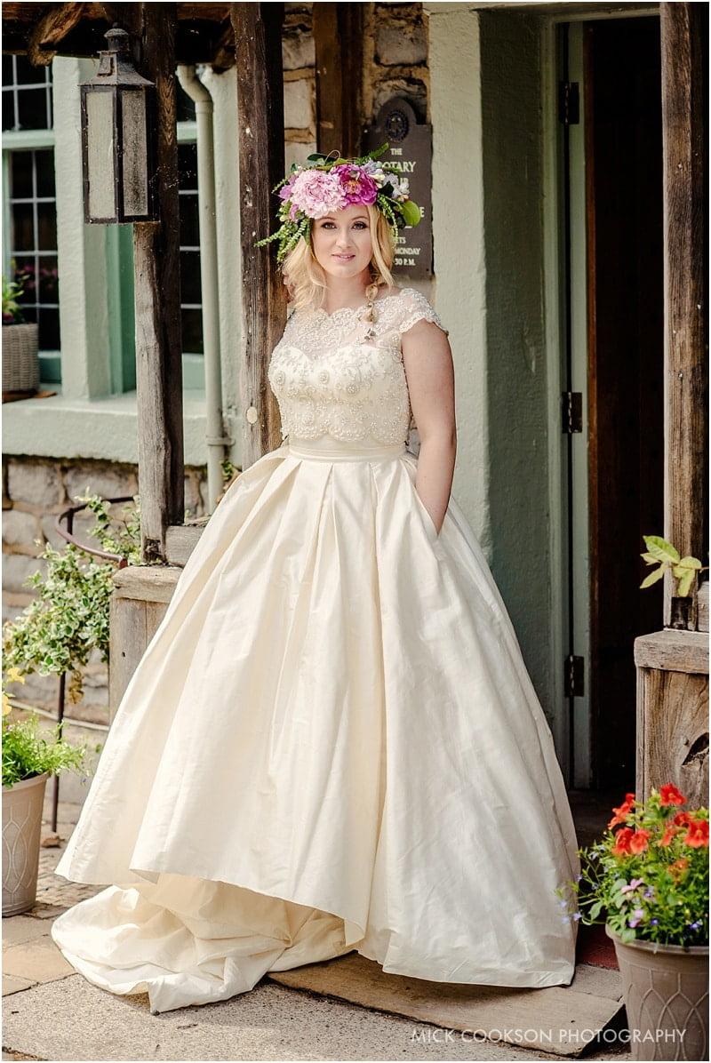 stylish bride at the spread eagle sawley