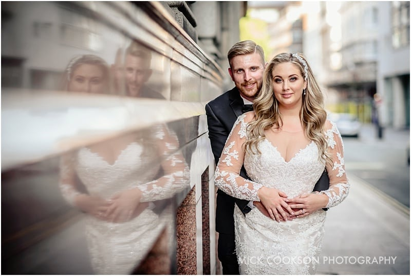 bride and groom in liverpool