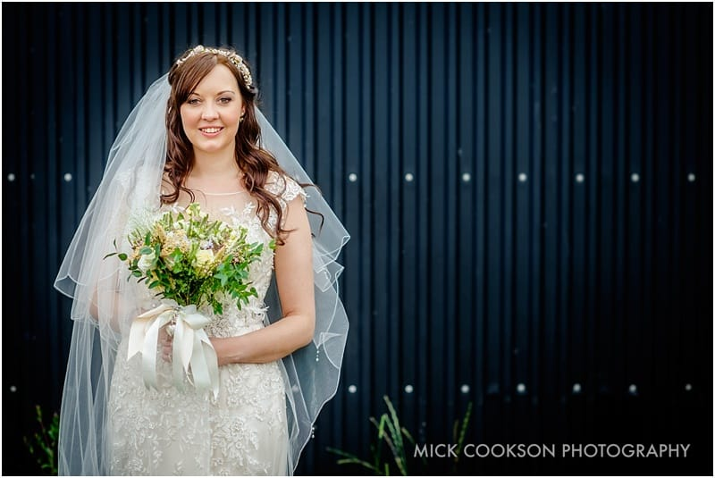 bride photo at beeston manor