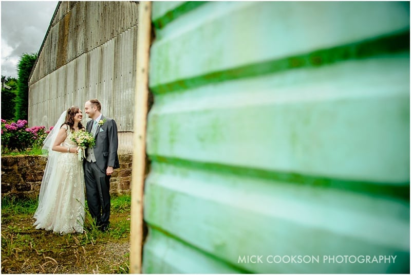 natural wedding photos at beeston manor