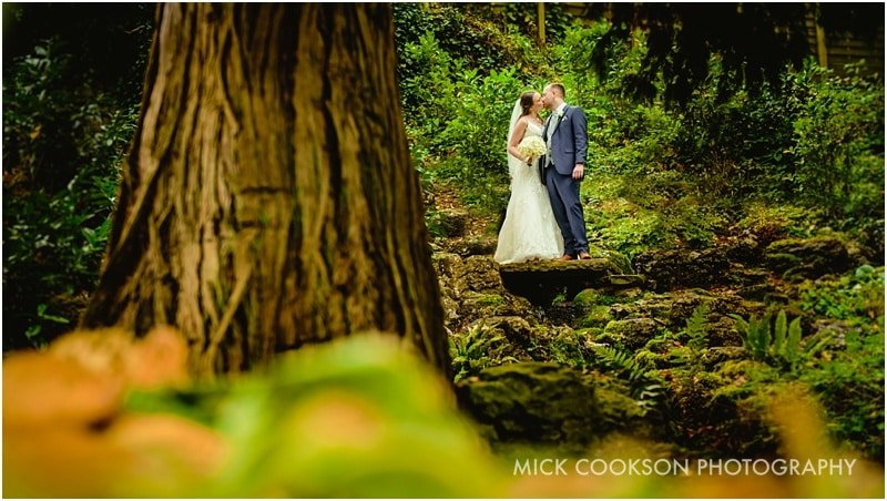 stunning bride and groom photos at mitton hall