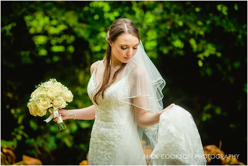stunning autumn bride at mitton hall