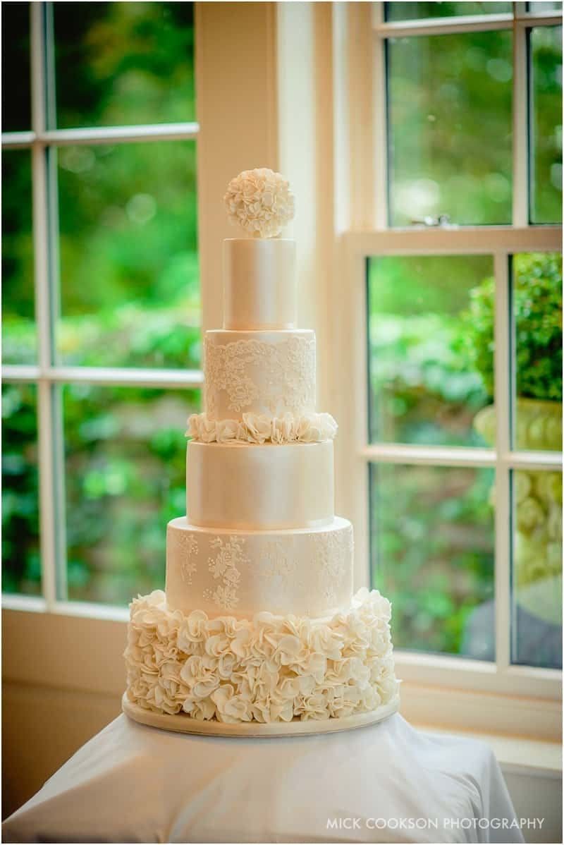 wedding cake at mitton hall