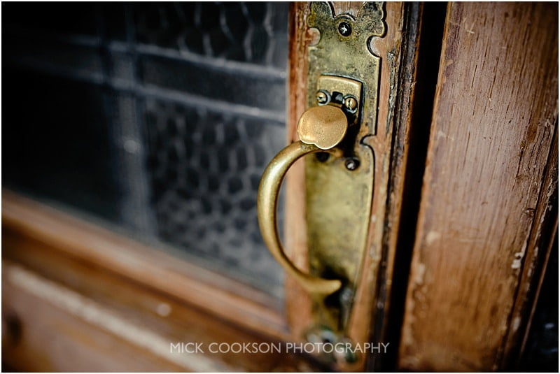 door handle at the shireburn arms