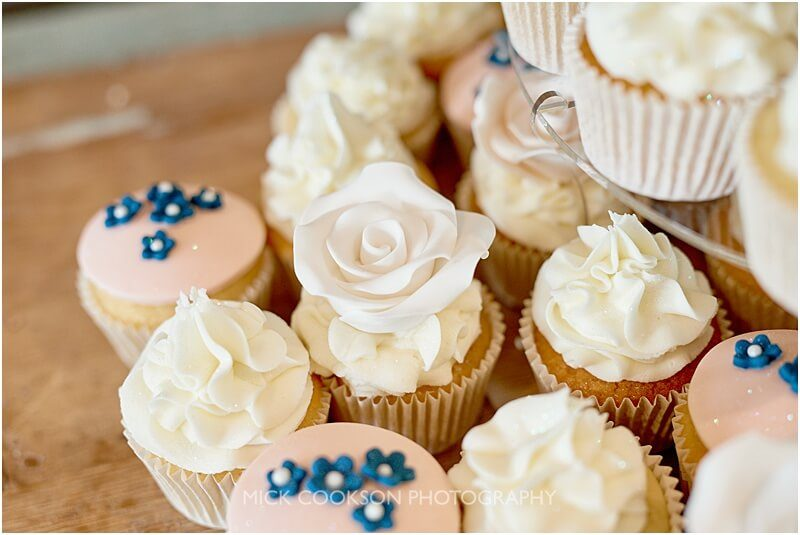 cupcakes at a king street townhouse wedding